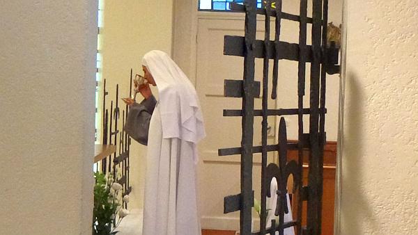 Soeur Gabriel, la communion lors de ses voeux.