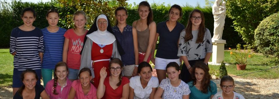 """Bénédiction romaine pour les """"Troubadours de la paix"""" et les sœurs de l'Annonciade"""