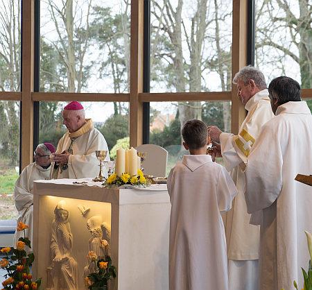 La consécration de la Chappelle u Monastère de Grentheville. Mgr Boulanger.