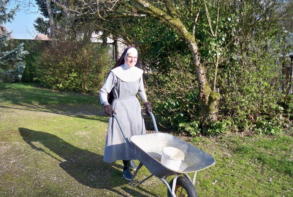 Venez passer une à quatre semaines de bénévolat au Monastère de Saint-Doulchard !