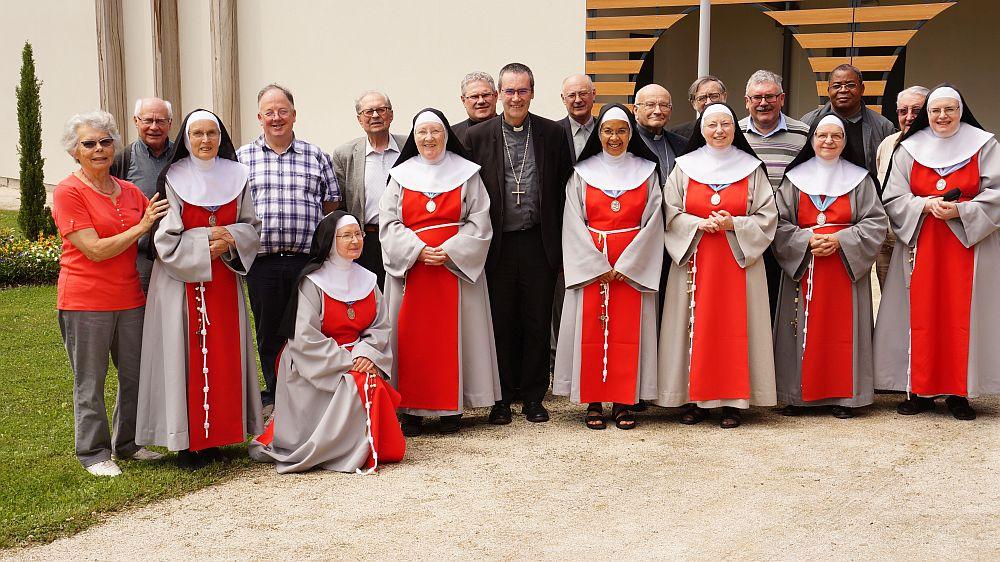 A Grentheville, les prêtres de l'Orne