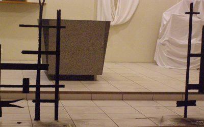 Travaux – dépose de l'autel