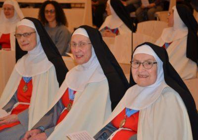 De gauche à droite Sr Marie-Madeleine, soeur Marie du Christ et soeur Marie-Joël