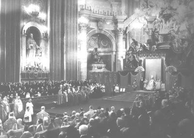 Pie XII pendant la cérémonie de canonisation