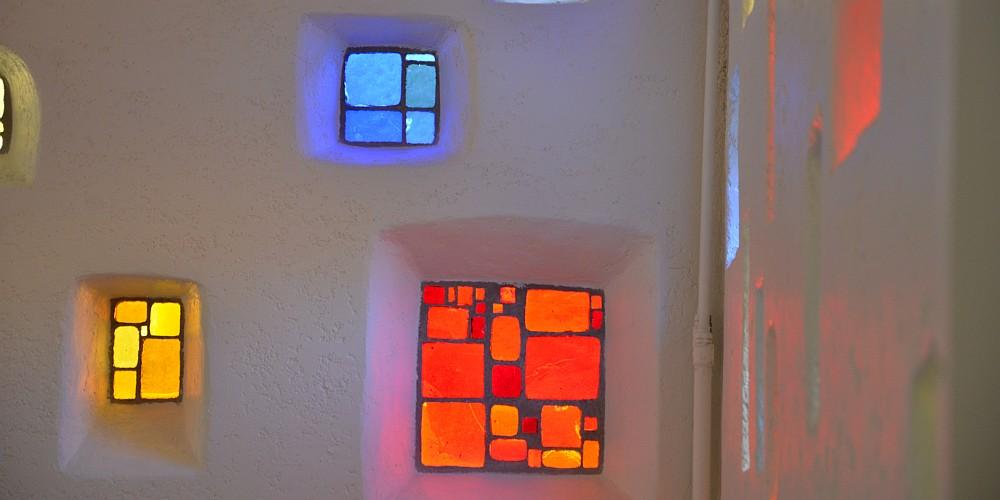 vitraux de la salle Notre-Dame