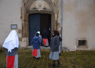 Arrivée devant le portail de l'ancien monastère des annonciades de Bourges