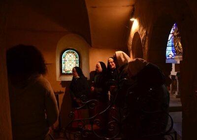 Dans le petit oratoire de sainte Jeanne